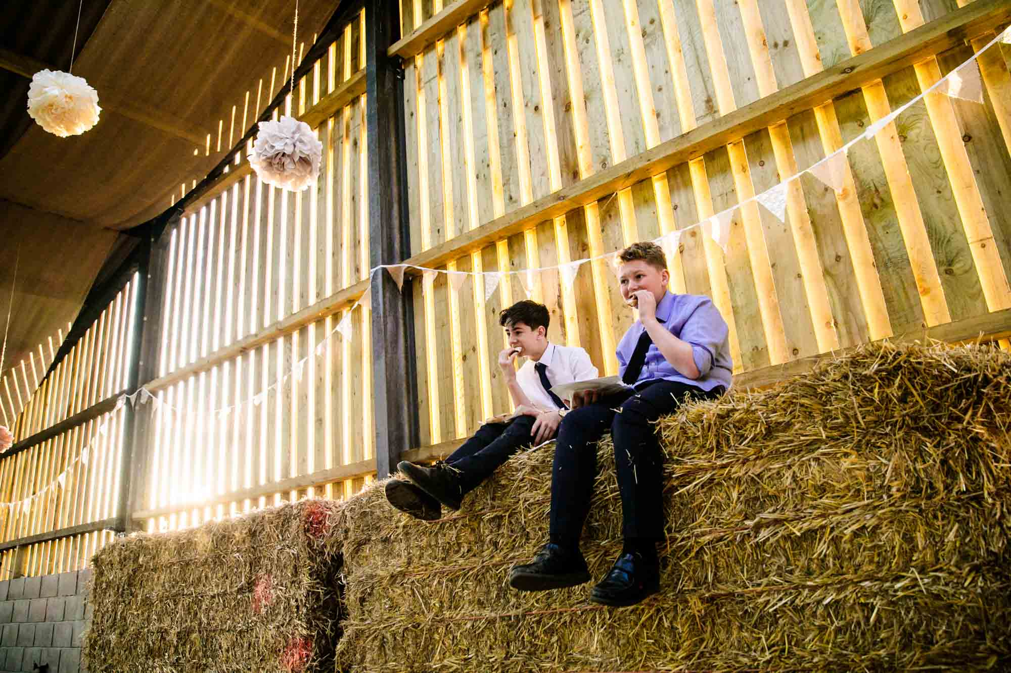 Creative Wedding Photos Thornsett Fields Farm